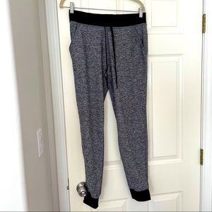 PINK by VS skinny joggers in grey marl size M EUC